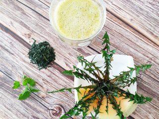Zeleni detox smoothie sa zelenim čajem